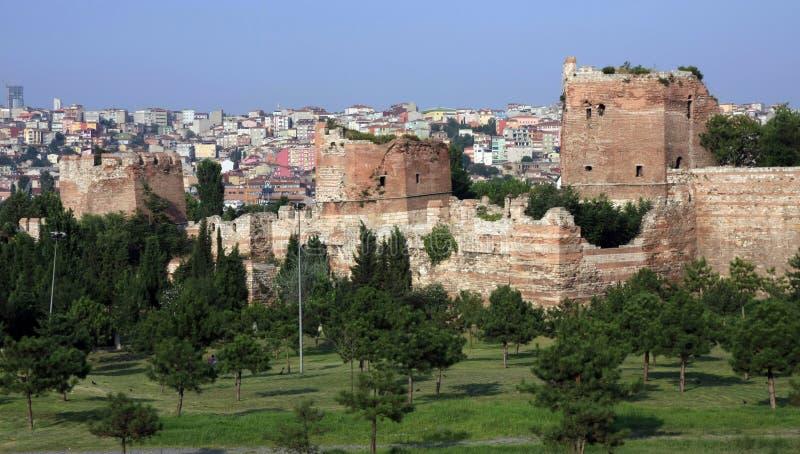Download Istanbul rampart obraz stock. Obraz złożonej z kamień - 15475693