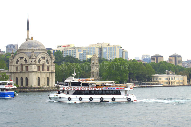 Istanbul sikt från Bosphorus arkivfoto