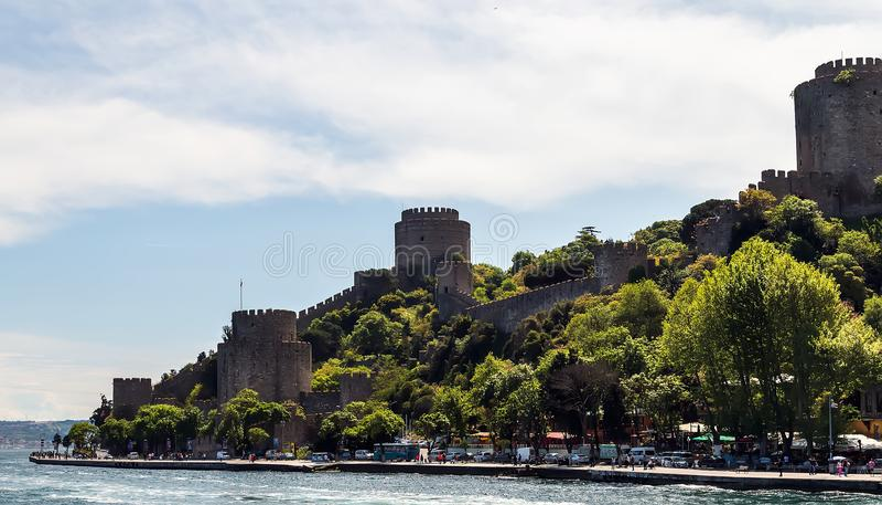 Istanbul-Stadt Die Türkei-Markstein Rumeli-Festung in Bosphorus Stra stockfotos