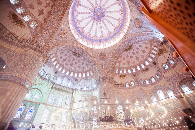 ISTANBUL, TURKEY - JAN 13, 2018: Interior of the Sultanahmet Mos. Que Blue Mosque in Istanbul, Turkey stock photography