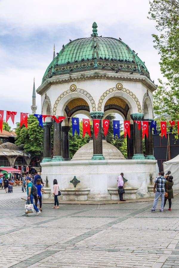 Istanbul Turkiet, 05/22/2019: Den beautifully dekorerade Sultanahmet fyrkanten i Ramadan arkivbild
