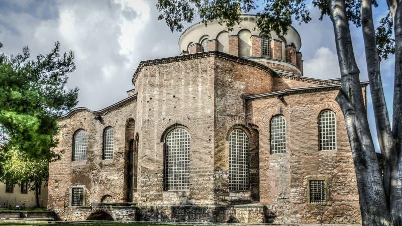 Istanbul Turkiet - Juni 23, 2015: Hagiaen Irene Orthodox Church Dessa gränsmärken är bevarade bysantinska tempel i Istanbul, Tu arkivfoton