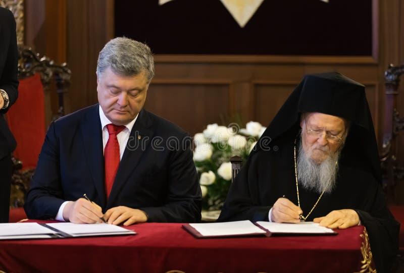 Istanbul Turkiet - November 03, 2018: Ekumenisk Patriarchate och hans All-helighet ekumeniska patriark Bartholomew under ett möte royaltyfri bild