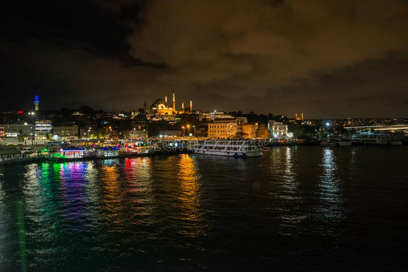 Istanbul, Turquie : Paysage de nuit avec des vues de la mosquée de Sultanahmet Camii C'est l'un des endroits de touristes princip photographie stock