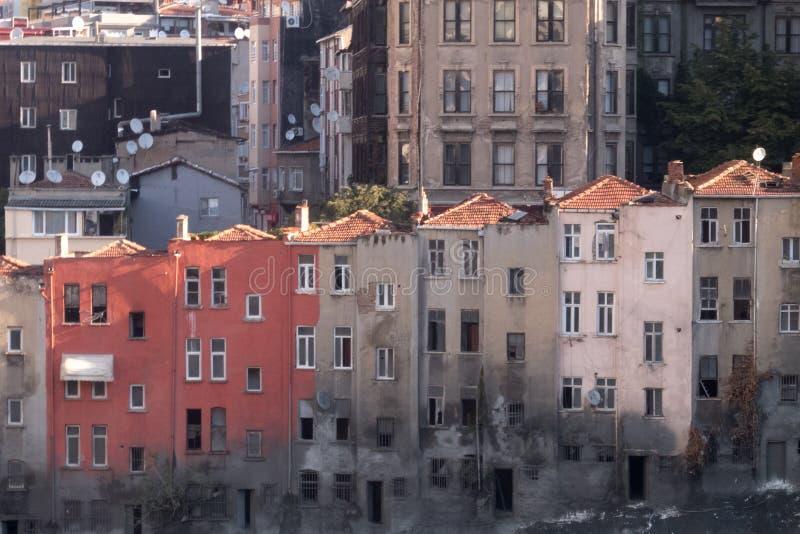 ISTANBUL, TURQUIE - septembre 2014 vieux bâtiment abandonné dans la régénération urbaine de centre de la ville images stock