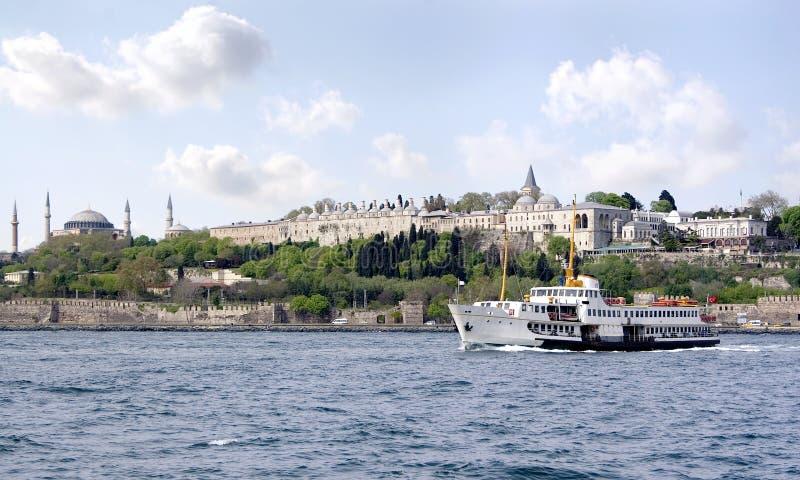 Istanbul von Bosporus lizenzfreie stockfotos
