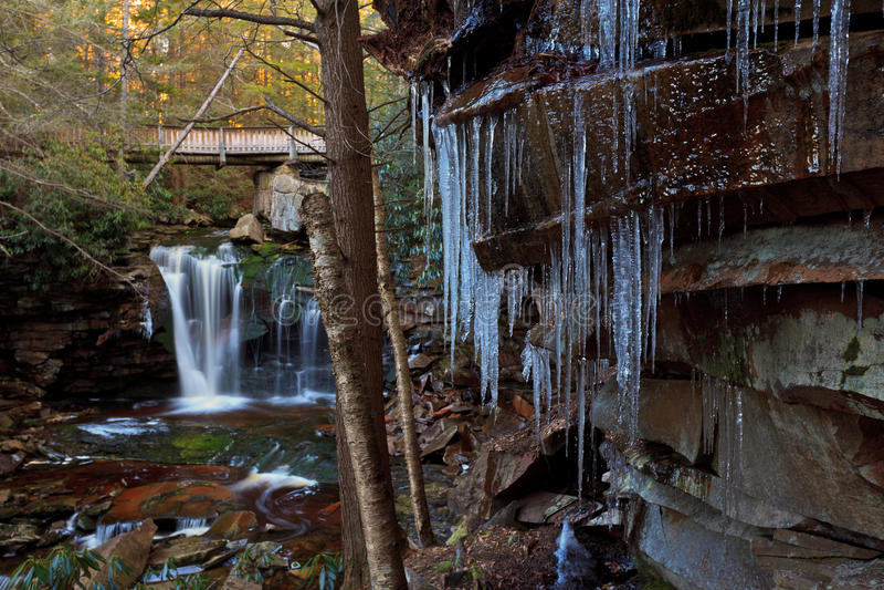 istappberg omedelbar vattenfall arkivfoton