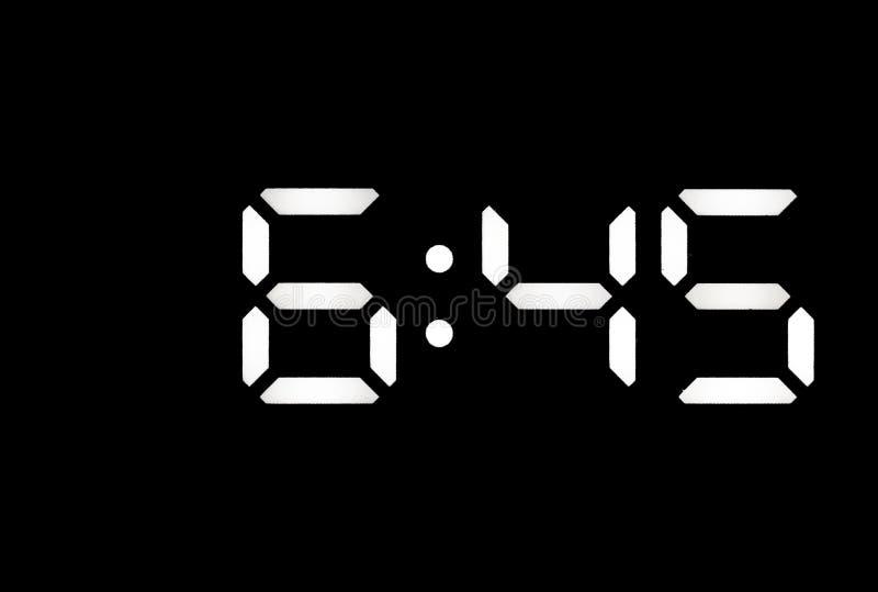 Istny biały dowodzony cyfrowy zegar na czarnym tle zdjęcia stock