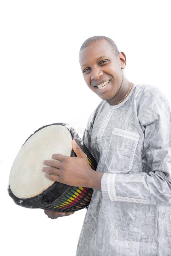Istny Djembe gracz, tradycyjna szata, Senegal fotografia royalty free