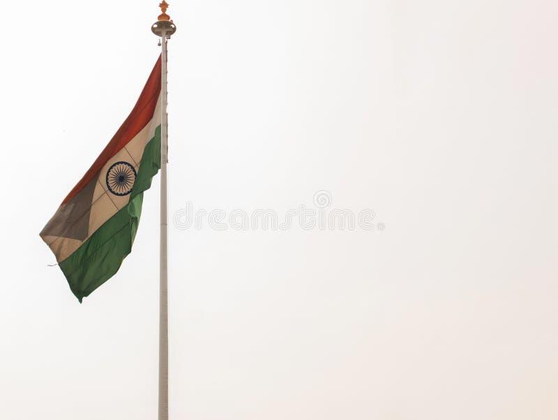 Istny India flagi falowanie przy stacją kolejową zdjęcia royalty free