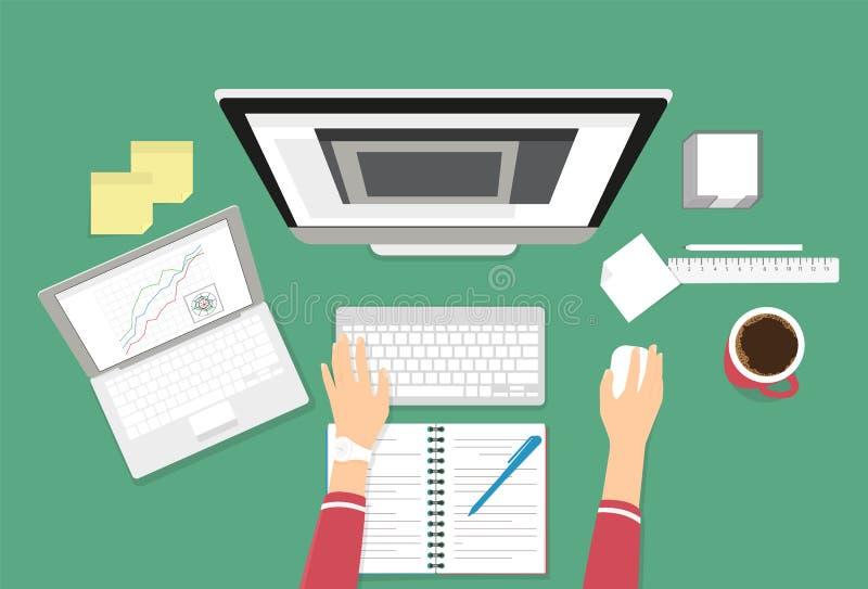 Istota ludzka wręcza pisać na maszynie na komputerowej klawiatury pieniężnym raporcie ilustracji
