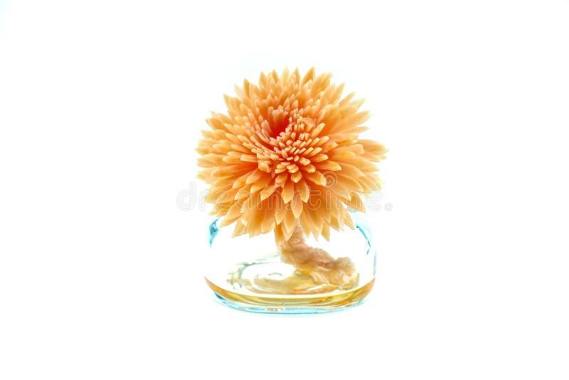 Istotny olej z Handmade kwiat płochy dyfuzorem zdjęcia stock