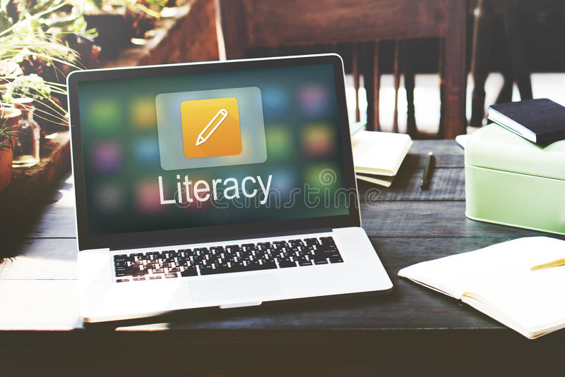 Istruzione online dell'icona della matita che impara concetto grafico fotografie stock libere da diritti