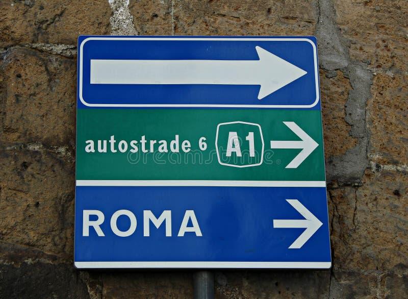 Itália, Lazio: Sinal da estrada em Bolsena foto de stock royalty free