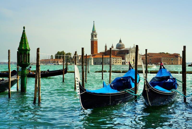 Itália, manhã em Veneza gondolas fotografia de stock