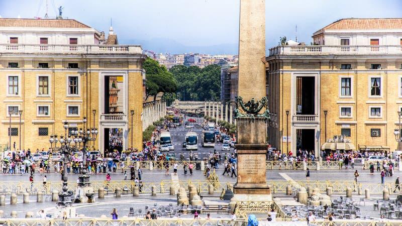 Itália, Roma, o quadrado de St Peter vatican Obelisco e o quadrado foto de stock royalty free