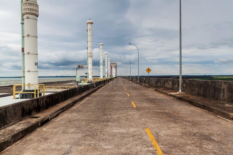Itaipudam op rivier Parana stock foto's
