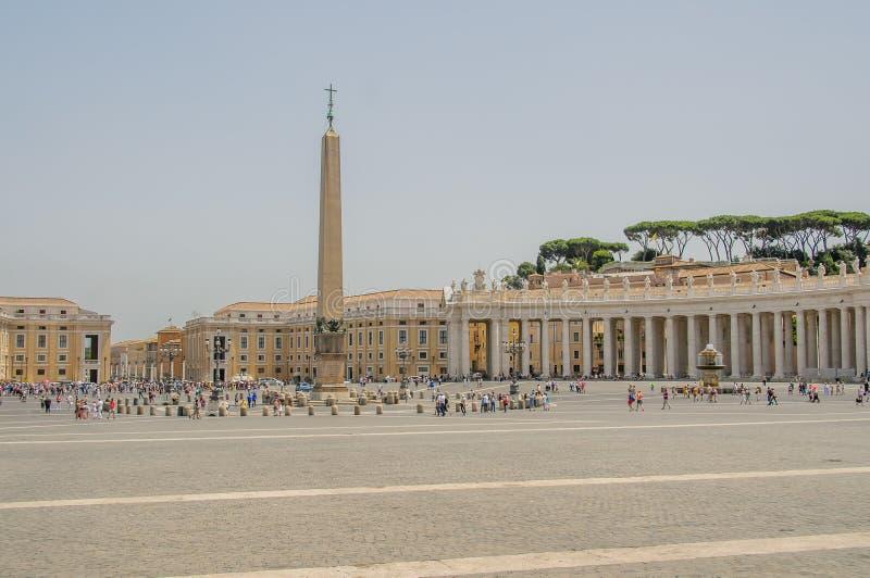 Italia - Ciudad del Vaticano - el cuadrado de San Pedro imagenes de archivo