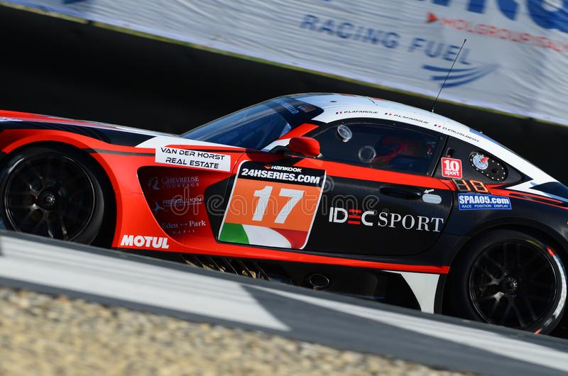 Italia - 29 de marzo de 2019: Mercedes-AMG GT3 de IDEC SE DIVIERTE COMPITIENDO CON al equipo de Francia imagenes de archivo