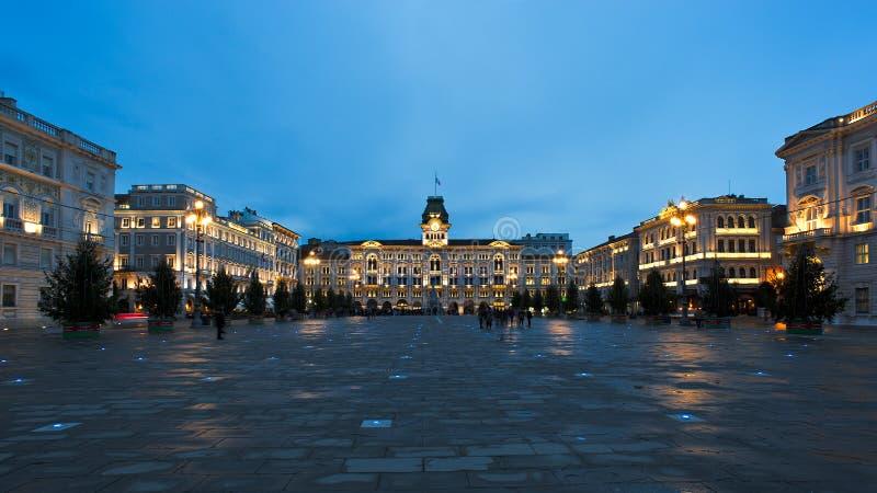 Italia för piazzaUnità D ` enhet av Italien fyrkantigt på engelska är den huvudsakliga fyrkanten i Trieste, en hamnstadstad i nor royaltyfri fotografi