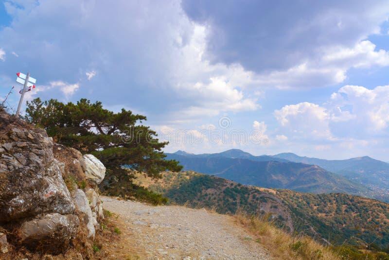 Italia, Génova, Génova, montañas ligures imagen de archivo