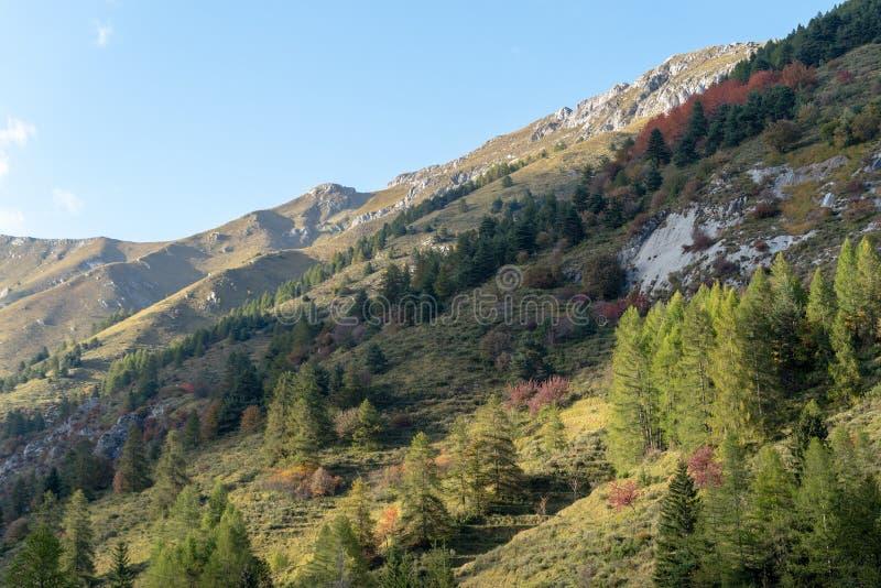 Italia, montañas ligures en otoño imagen de archivo libre de regalías