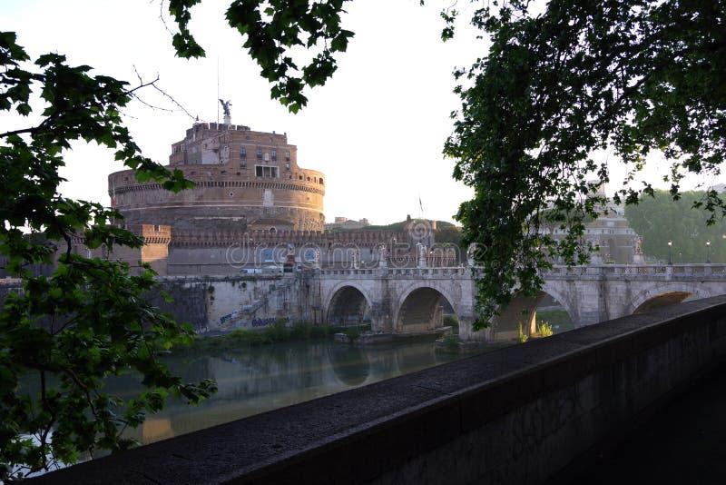 Italia Roma Castel san Ángel en el Tíber foto de archivo libre de regalías