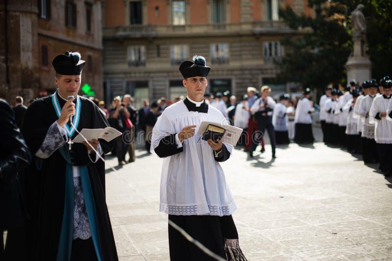 Italia-Roma - 7 de septiembre de 2017 - celebración del peregrinaje de fotos de archivo