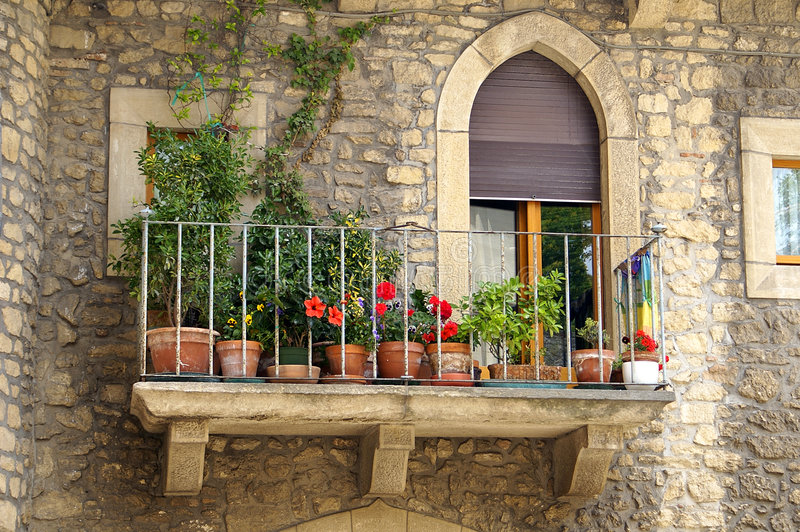 Italiaans balkon stock fotografie