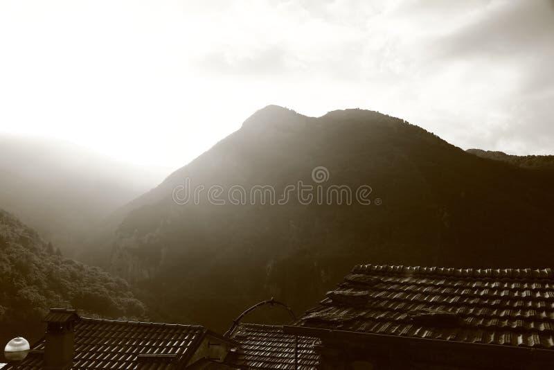 Italiaans bergdorp stock foto's
