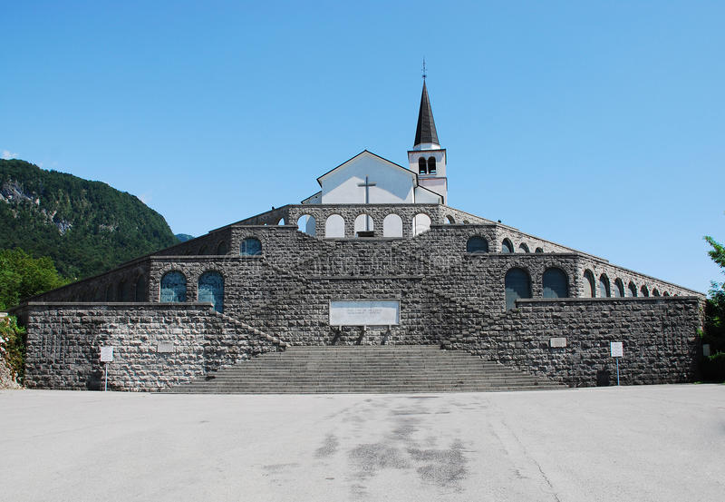 Italiaans Charnal-Huis in Kobarid stock fotografie