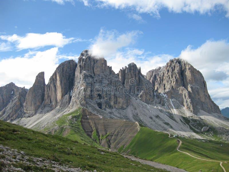 Italiaans dolomiet in Zuid-Tirol op een zonnige dag stock foto's