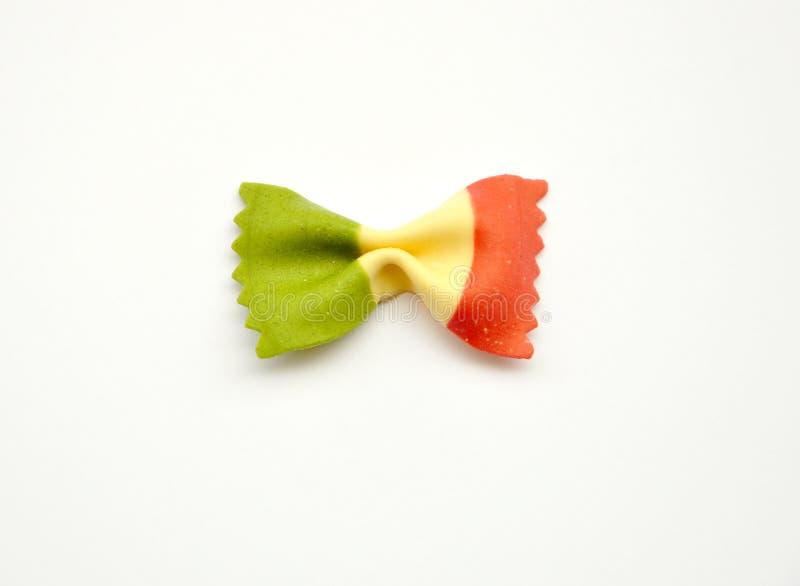 Italiaans iconisch voedsel: deegwaren met de vlag van Italië stock afbeelding