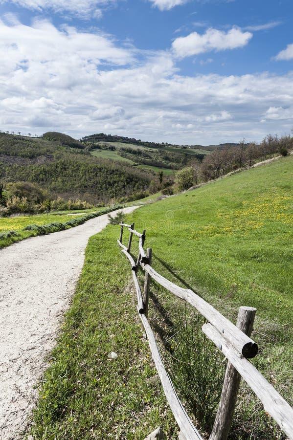 Italiaans landschap met landweggen royalty-vrije stock afbeeldingen