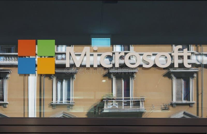 Italiaans Microsoft-hoofdkwartier in Milaan stock foto