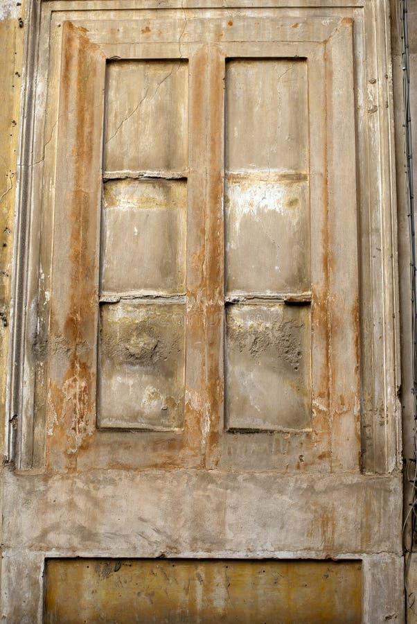 Italiaans ommuurd venster stock foto's