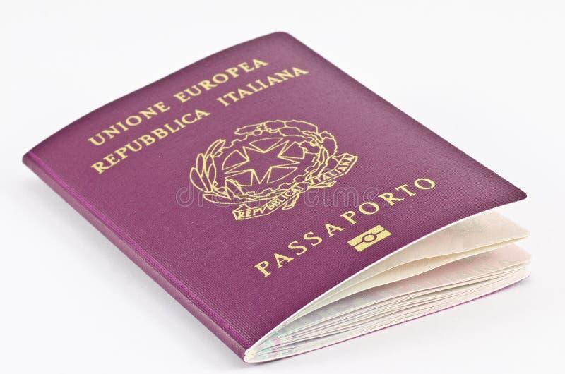 Italiaans paspoort stock afbeeldingen