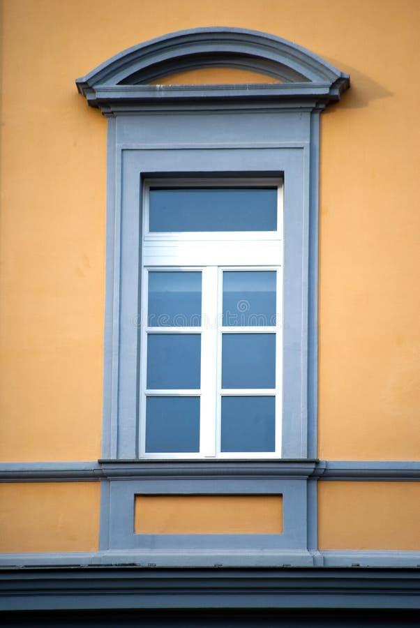 Italiaans venster stock afbeeldingen