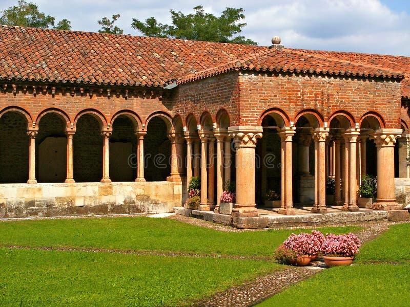 Italiaanse Binnenplaats royalty-vrije stock foto