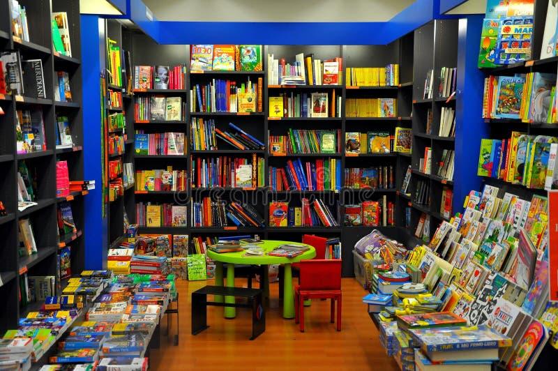 Italiaanse boekhandel in Florence, Italië stock fotografie