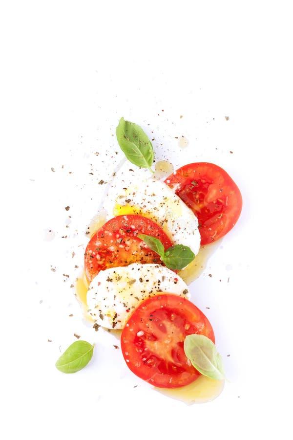 Italiaanse caprese salade - moderne artistieke samenstelling royalty-vrije stock afbeeldingen