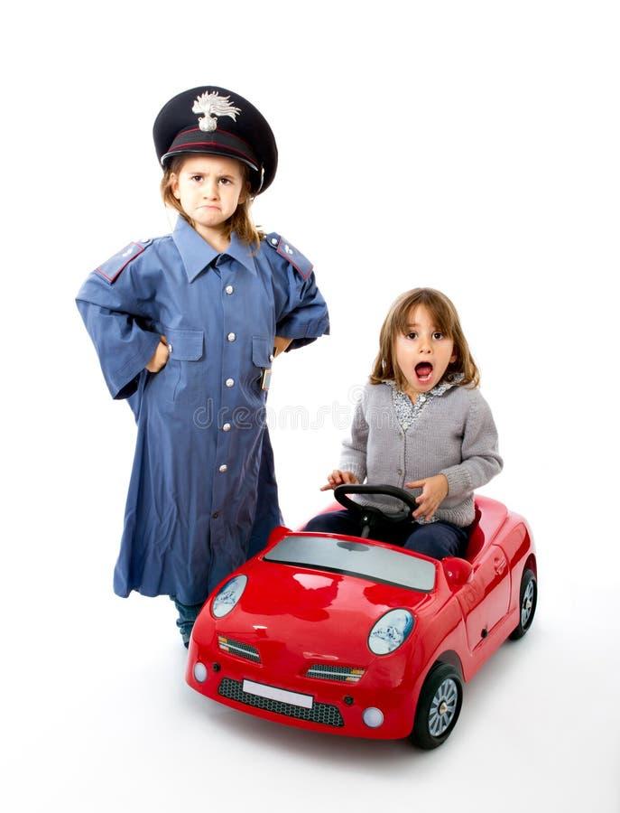 Italiaanse carabiniere houdt een auto met verrassing tegen royalty-vrije stock fotografie
