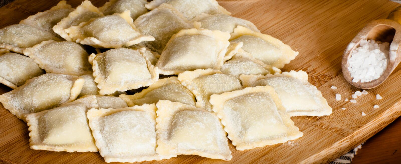 Italiaanse eigengemaakte ravioli royalty-vrije stock foto's