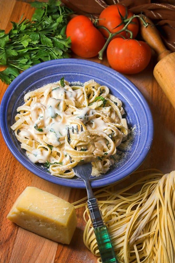 Italiaanse Fettuccine Alfredo stock foto