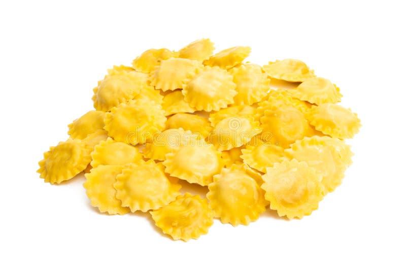 Italiaanse geïsoleerde ravioli stock foto's