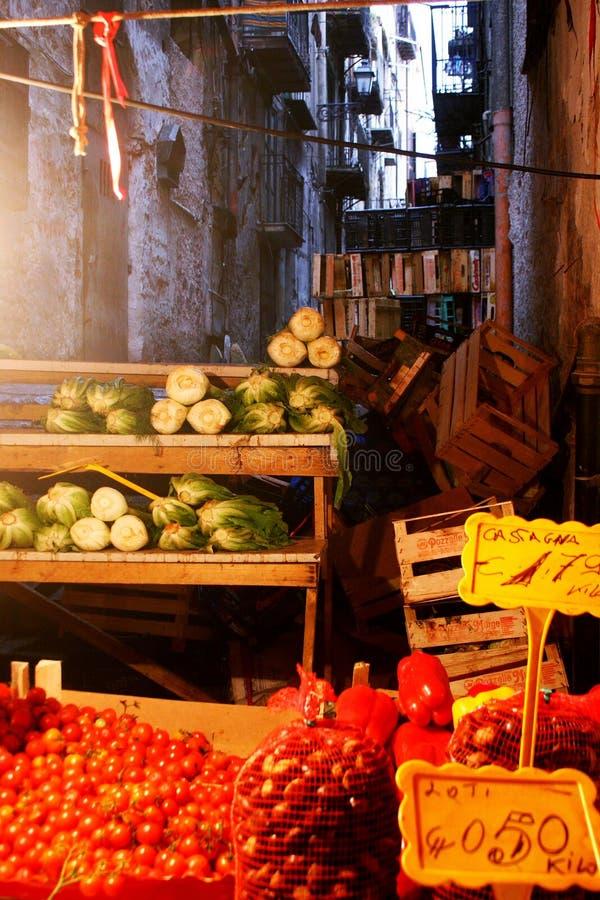 Italiaanse markt stock afbeeldingen