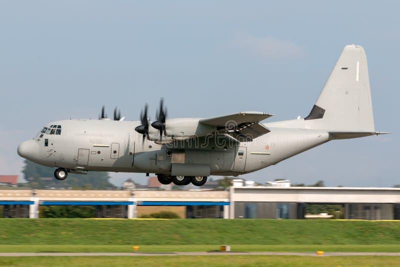 Italiaanse militaire het vervoervliegtuigen van Luchtmachtaeronatica Militare ItalianaLockheed c-130J Hercules stock afbeelding