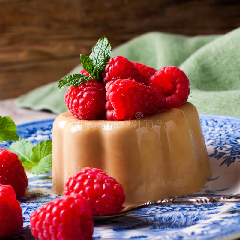 Italiaanse pannacotta van de dessertkoffie stock foto
