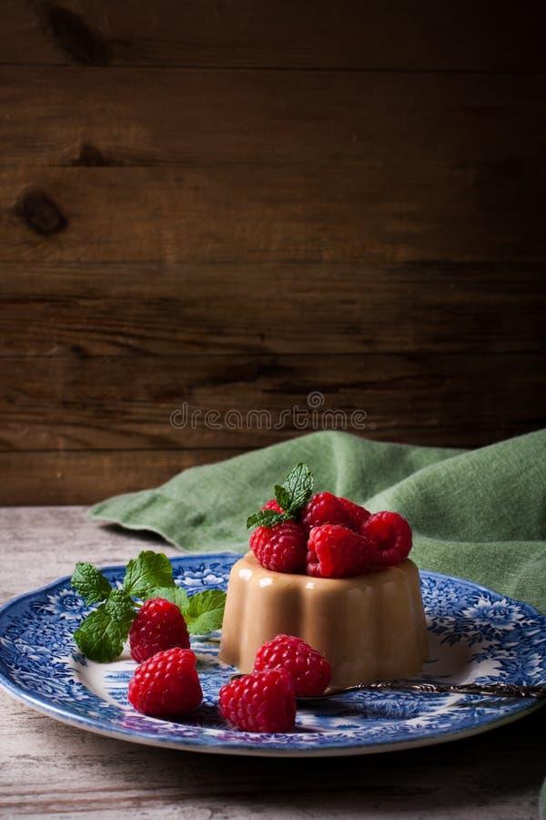 Italiaanse pannacotta van de dessertkoffie royalty-vrije stock afbeeldingen