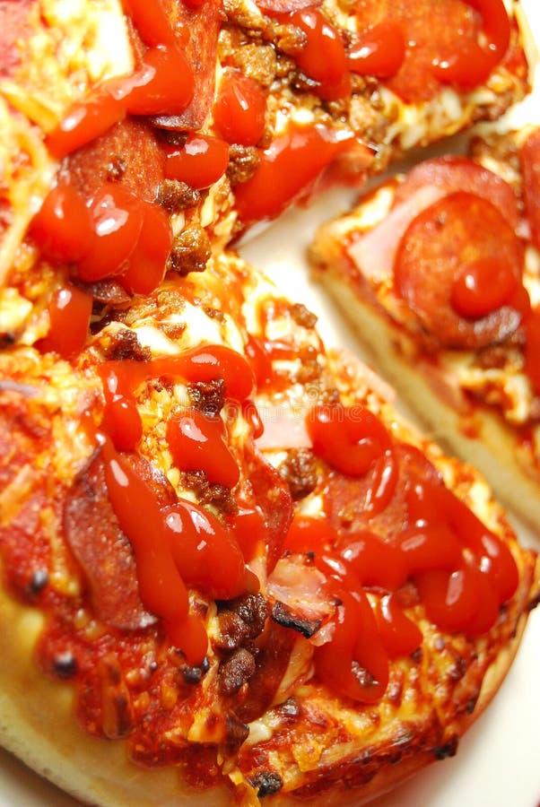 Download Italiaanse Pizza stock afbeelding. Afbeelding bestaande uit pizza - 10781991
